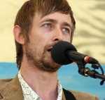 https://upload.wikimedia.org/wikipedia/commons/0/04/Neil_Hannon.jpg